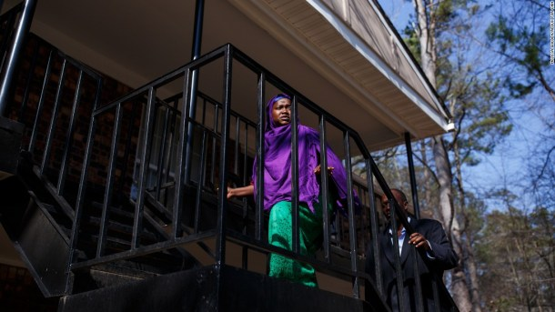 Instead of settling into their new apartment, Somali refugees Habibo Mohamed and Abdalla Ramadhan Munye are fighting to reunite with their daughter.