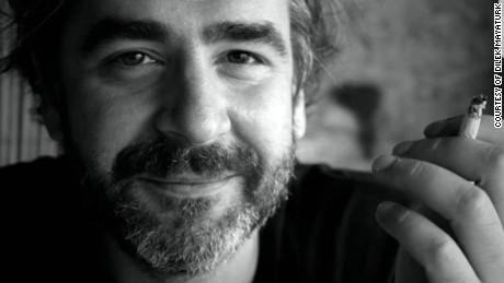 Turkey jails 6 Turkish journalists for life, releases German reporter