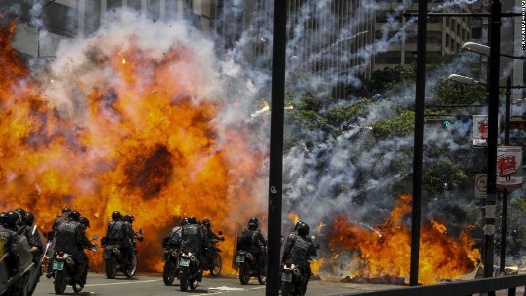 venezuela explosion demonstrations