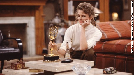 Candice Bergen as Murphy Brown with an Emmy award. January 1, 1989. (Photo by CBS via Getty Images)