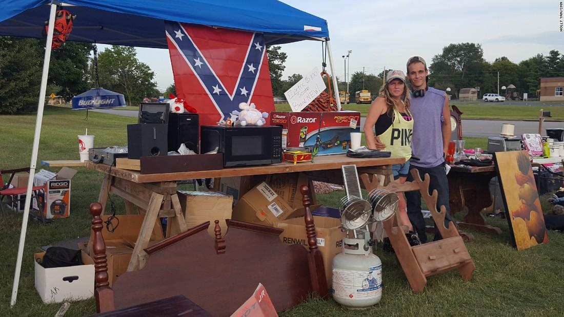 Jennifer Fink and her boyfriend JayJay Wilson sell some of Fink's belongings in Rockfield, Kentucky. (Holly Yan/CNN)