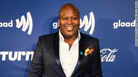 Titus Burgess came to the rescue of co-star Ellie Kemper.