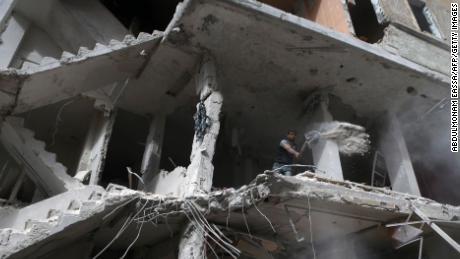 Child malnutrition soars in besieged Damascus enclave