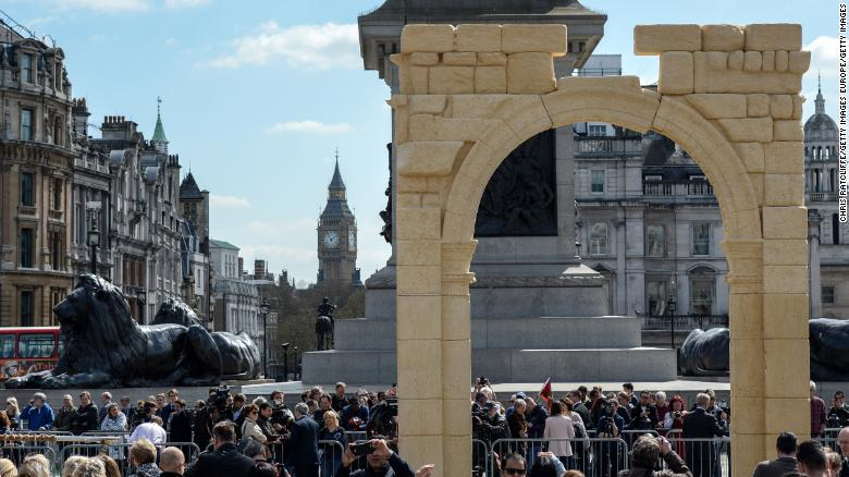 The reconstruction of Triumphal Arch at Palmyra in London.