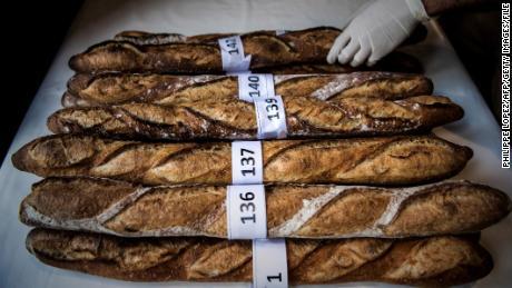 baguettes macron wants french