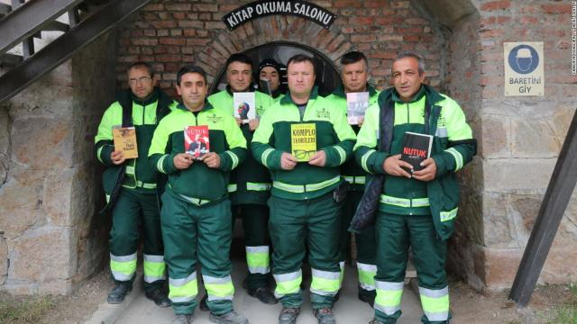 Garbage collectors started the library with books salvaged from the trash.