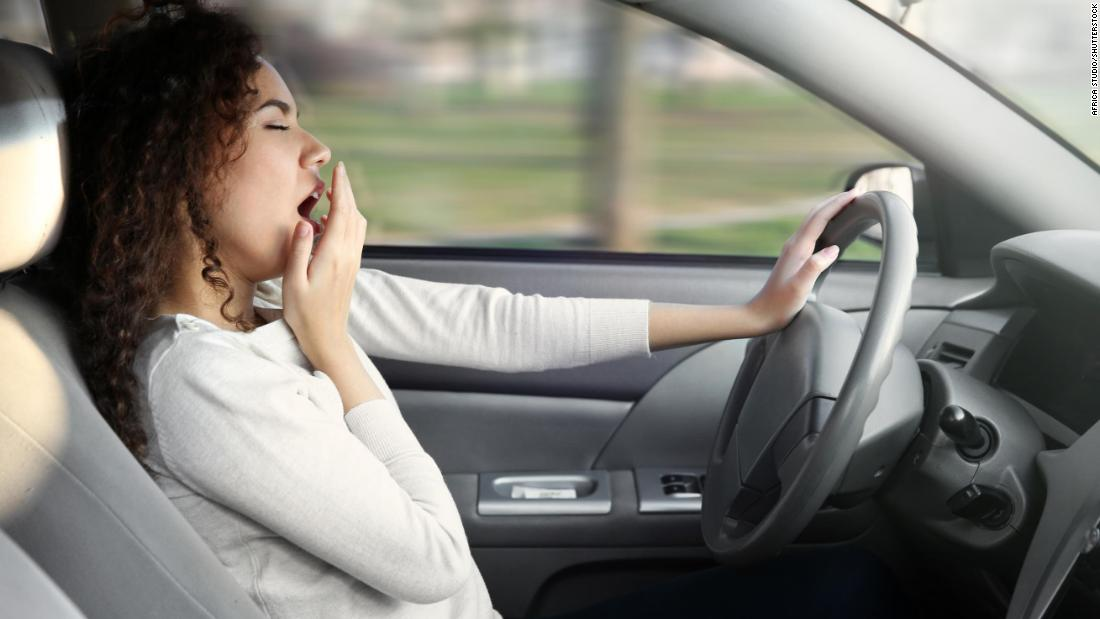 Money Falling Live Wallpaper Drowsy Driving Is A Factor In Almost 10 Of Crashes Study