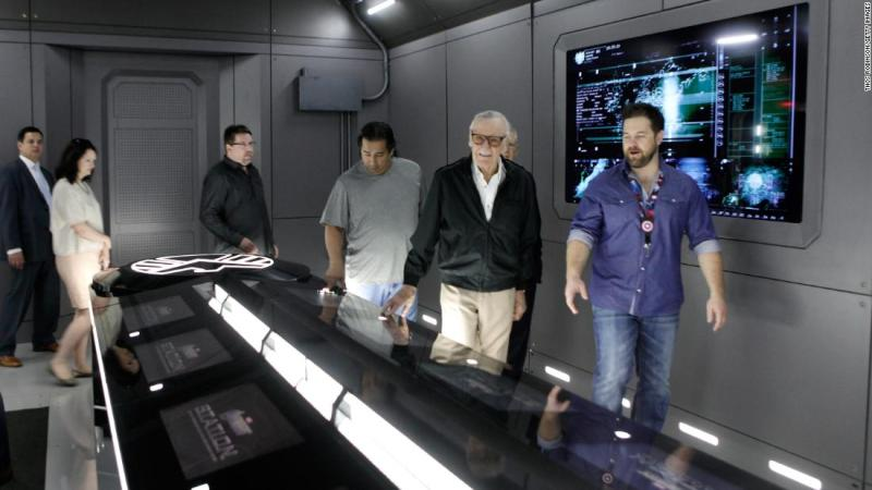 In 2014, Lee tours the Avengers exhibition at Discovery Times Square.