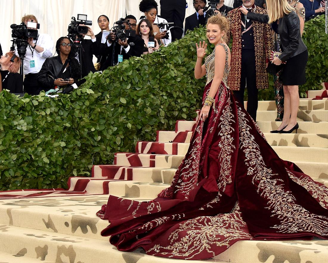 Blake Livelys Met Gala Gown Needed Party Bus