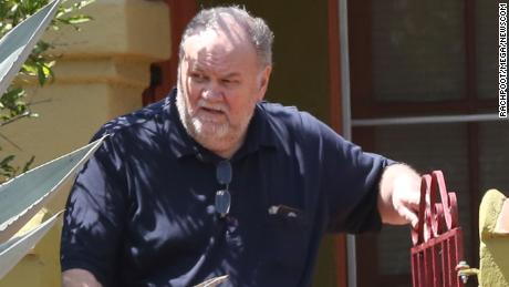 Thomas Markle drops off flowers at his ex-wife Doria Ragland's home days before the wedding.