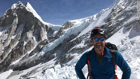 The dangers of oxygen deprivation on Everest