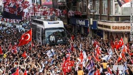 Muharrem Ince arriving at the Istanbul rally on June 10.
