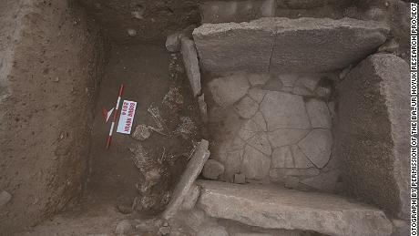 The tomb at the Bronze Age Başur Höyük site had an inner and outer chamber.