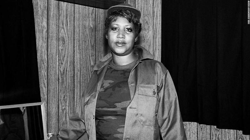 Franklin poses backstage during ChicagoFest in 1981.
