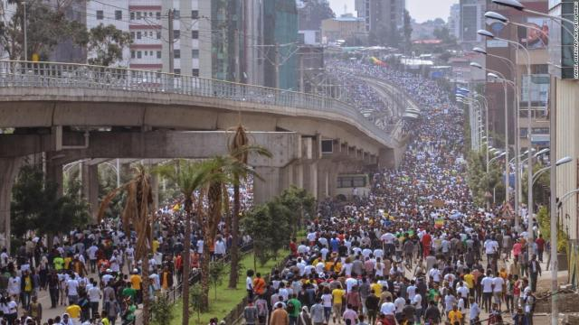 Supporters of Ethiopian Prime Minister attend a rally on Meskel Square in Addis Ababa on June 23, 2018.