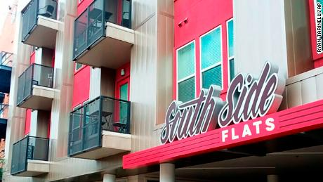 Filming took place in the South Side Flats in Dallas.