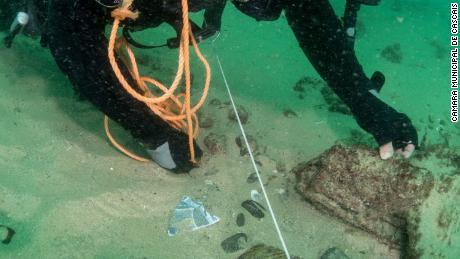 Divers found spices, ceramics and shells at the wreck.