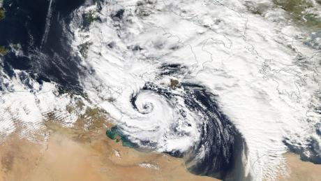 Hurricane-like Zorba lashes Greece as it barrels toward Turkey
