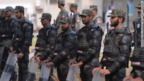 Pakistani paramilitary soldiers stand guard outside the Supreme Court building in Islamabad on October 31, 2018.