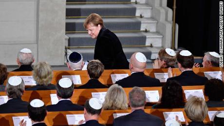 Merkel condemns resurgence of anti-Semitism on 80th anniversary of Kristallnacht