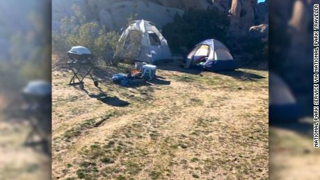 David Smith sagte gegenüber National Parks Traveler, dass sich eine Gruppe von Menschen auf einem illegalen Campingplatz aufhielt.