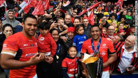 Billy and Mako celebrate with their family after winning the European Champions Cup in 2017.