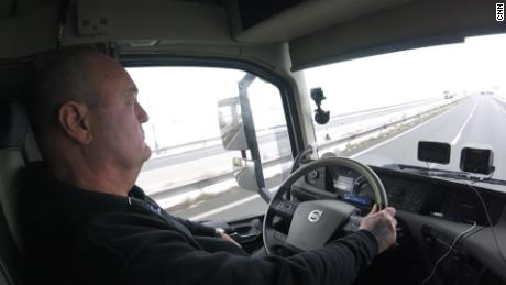 Why Brexit scares Airbus and BMW: Lines of trucks at the EU border