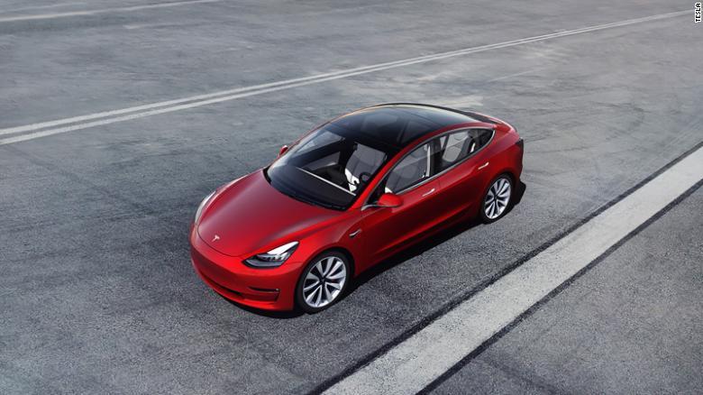 A Tesla prometeu há muito tempo uma versão mais acessível e mais acessível do sedan Modelo 3.