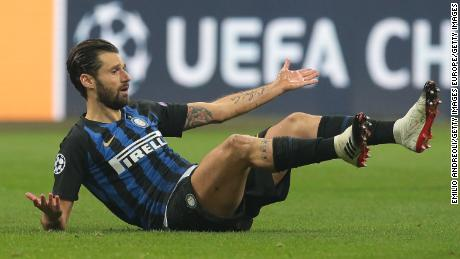 Candreva is pictured playing for Inter Milan in a Champions League match.