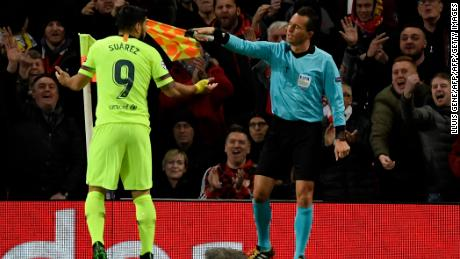 Luis Suarez contests an offside decision that was eventually overturned as Barcelona took the lead against Manchester United.