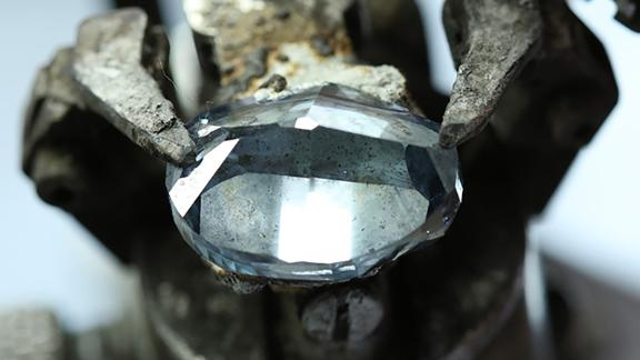 Botswana Unveils Blue Diamond To Rival The Hope Diamond