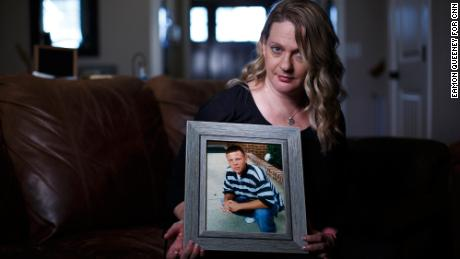 Insurer sent $ 33,000 to a man struggling with addiction. He used the money to complain - and died