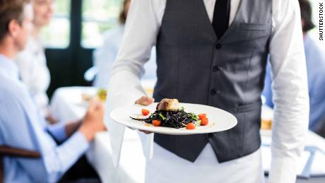 Restaurant servers don't know much about food allergies, study finds