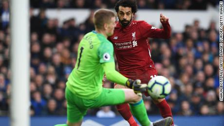 Liverpool's Mo Salah was unable to find a way through Everton as his side was held to a 0-0 draw at Goodison.