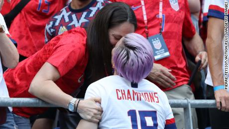 Megan Rapinoe seals her World Cup win with a kiss