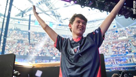 Fortnite gives away $3 million to its first-ever solo world champion, a 16-year-old from Pennsylvania