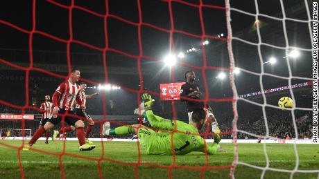 John Fleck'obiettivo ha dato Sheffield United un primo tempo di piombo.