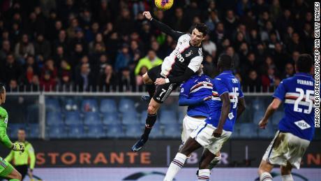 Ronaldo si erge sopra la Sampdoria difesa a punteggio per la Juventus.