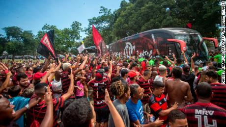 Flamengo fan di inviare la propria squadra e hanno la testa per la Coppa del Mondo per Club in Qatar.