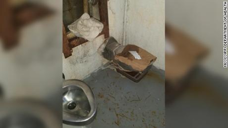 Mississippi scrambles to find cells for 625 violent inmates after Parchman prison unit deemed unsafe