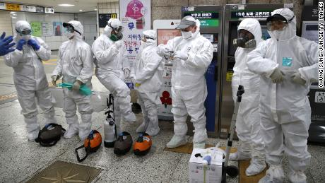 Coronavirus infection cluster emerges outside mainland China - CNN ...