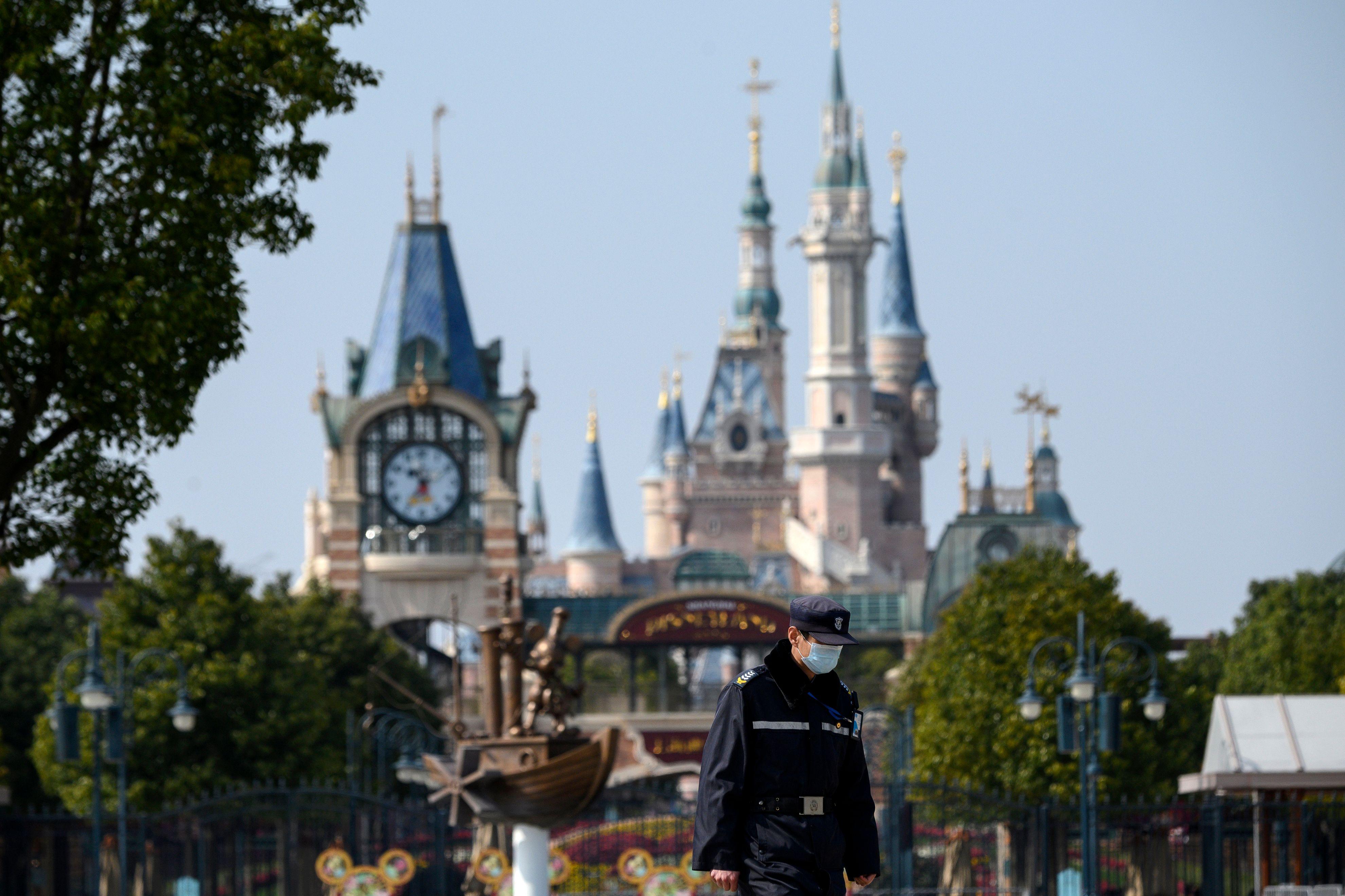 Coronavirus lockdown turns Disney theme parks into ghost towns ...