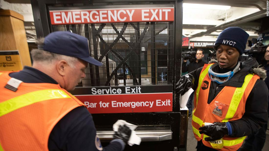 New York: 1,000 people have been asked to self-quarantine after ...