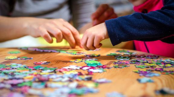 puzzle game date idea