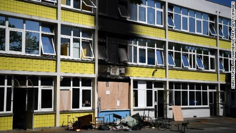An elementary school was set on fire on Tuesday in Gennevilliers, in the northern suburbs of Paris, after tensions escalated.