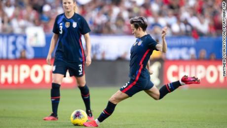Joe Biden minaccia di tagliare di Calcio degli stati UNITI's World Cup di finanziamento, a meno che le donne ottengono la parità di retribuzione