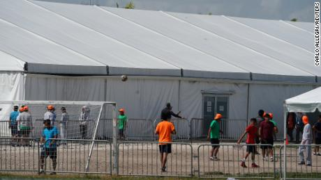 Judge rules migrant children in government family detention centers must be released due to coronavirus