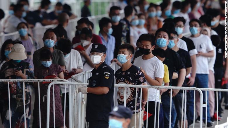 6月17日にテストセンターでコロナウイルス検査のためにXinfadi市場に接触したことがある人々。
