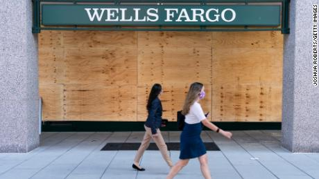 Wells Fargo Asks Employees To Remove TikTok From Company Devices