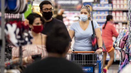 Walmart begins to require all customers to wear face masks
